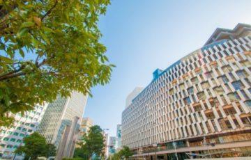 大阪梅田・阪神百貨店前交差点